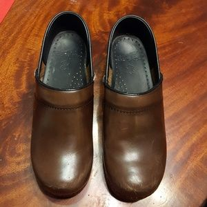 Dansko Clogs Brown size 38